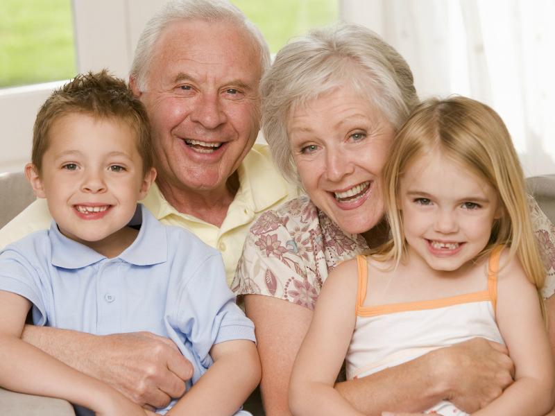 grandparents-with-grandchilren