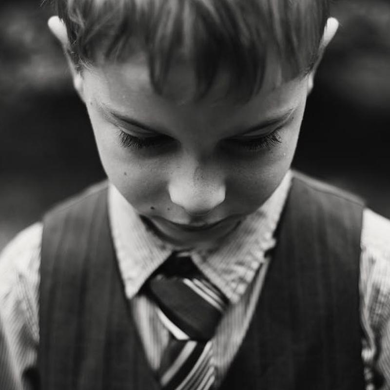 Children-throwing-tantrums