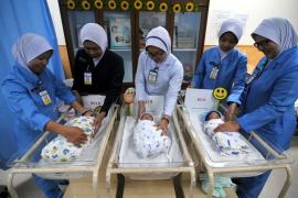 infants-breastfeeding-v13