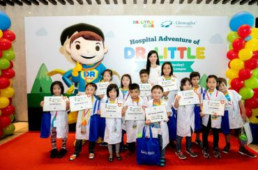 Hoo Ling Lee, Gleneagles Kuala Lumpur, with several of the Dr. Little Club members and the programme mascot at the launch.