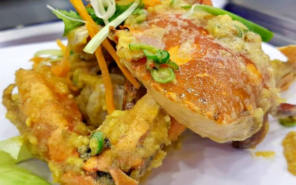 Salted Egg Crab ─ a Malaysian favourite and one of the many crab styles served in Ibrahim's Fatty Crab Restaurant . (Image Credit) Ibrahim's Fatty Crab, Ampang