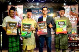 """Fairuz Bin Misran, Tengku Dato' Setia Putra Alhai, Alif Satar, and Dato' Afifuddin Bin Abdul Kadir at the launch of """"Warung""""."""