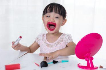 girl overline her lipstick