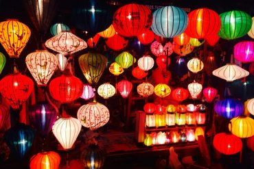 Let's enjoy the mid-autumn festival with light and hope