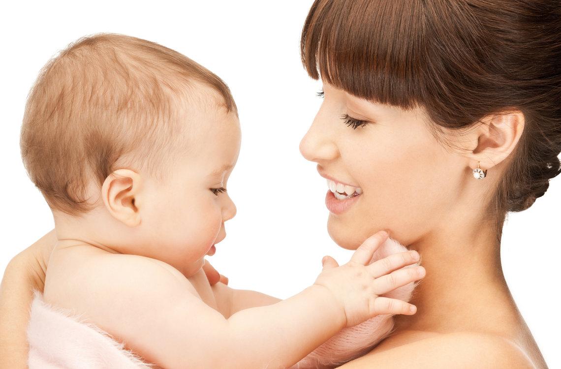 ibu bersama bayinya