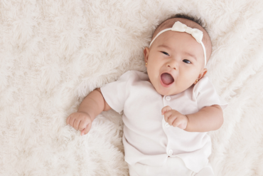 bayi perempuan comel