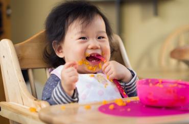 makanan pertama bayi solid foods
